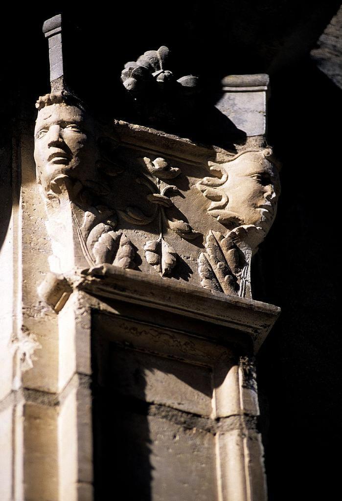 Sculpture du palais_Besançon