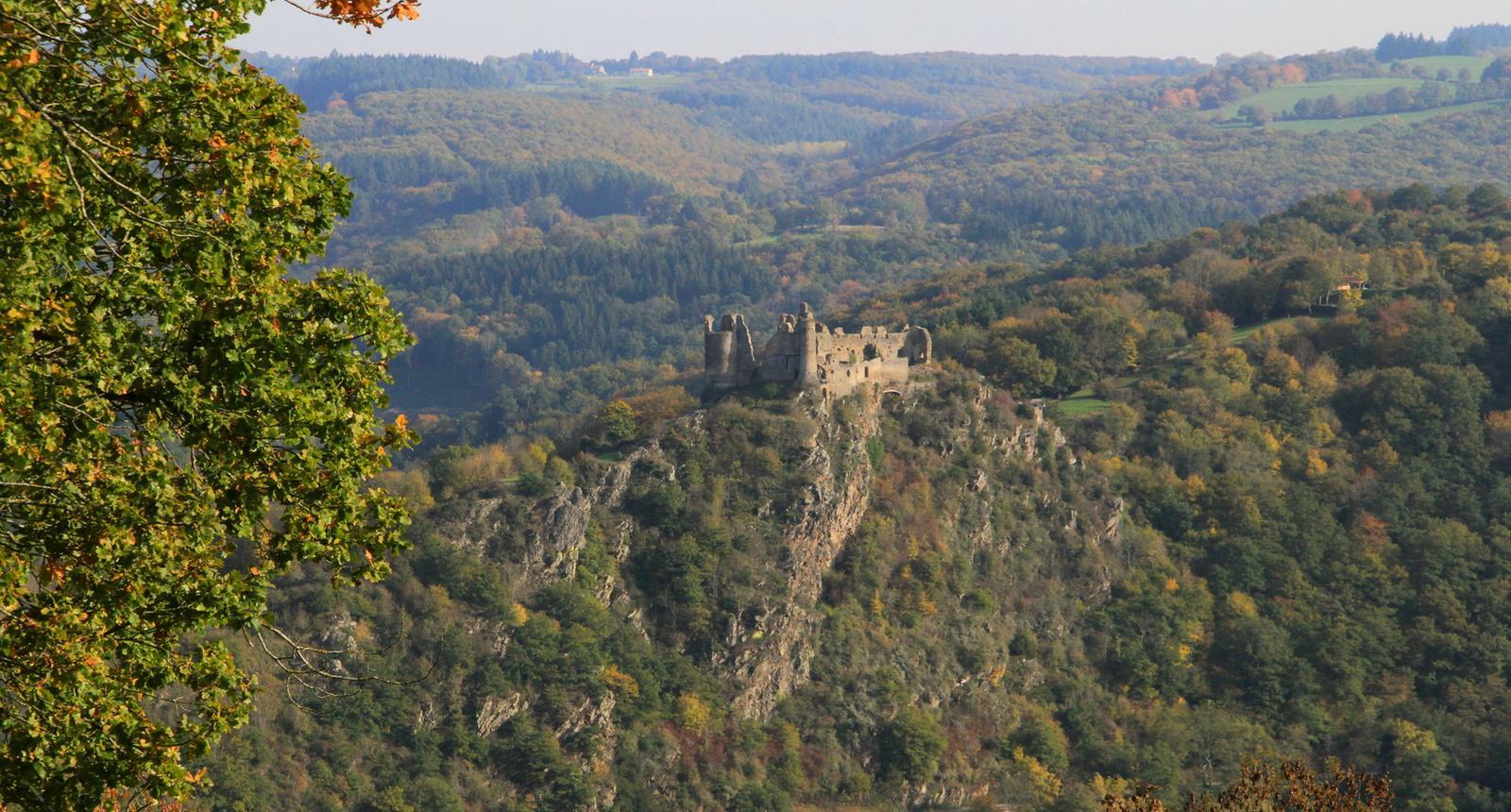Randonnée autour du Château-Rocher de Menat