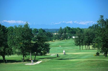 golf teoula vue montagne PLAISANCE DU TOUCH