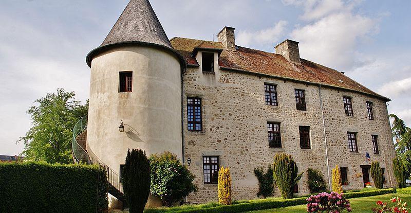 La Mairie, château de la Motte à Mérinchal