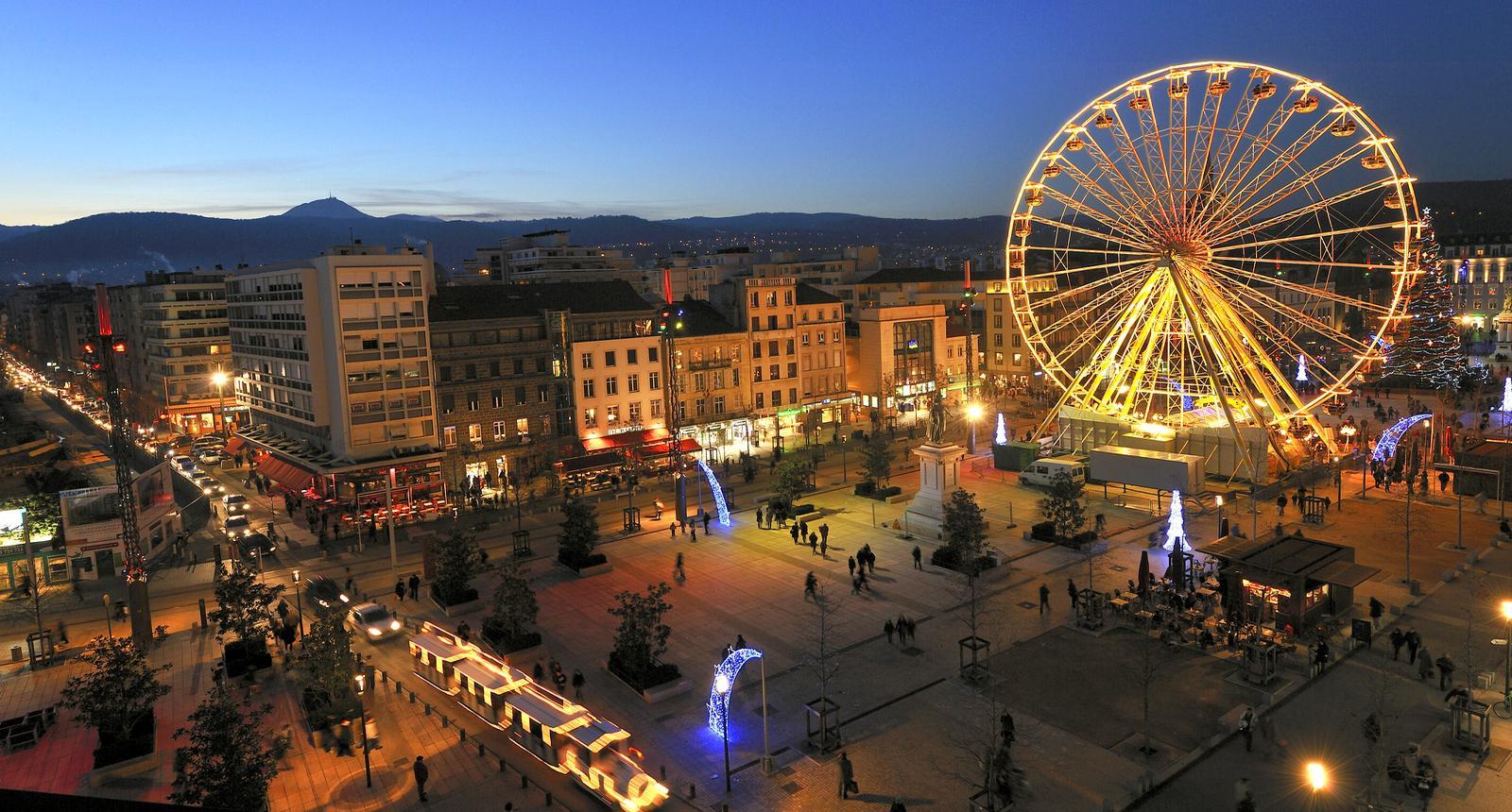 Clermont-Ferrand - Place de Jaude nocturne