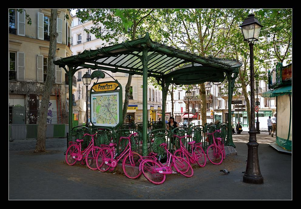 Place des Abbesses_Paris