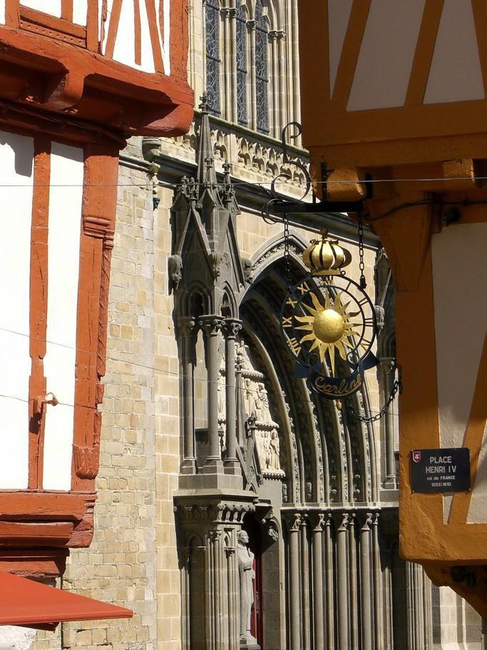 Place Henri-IV_Vannes