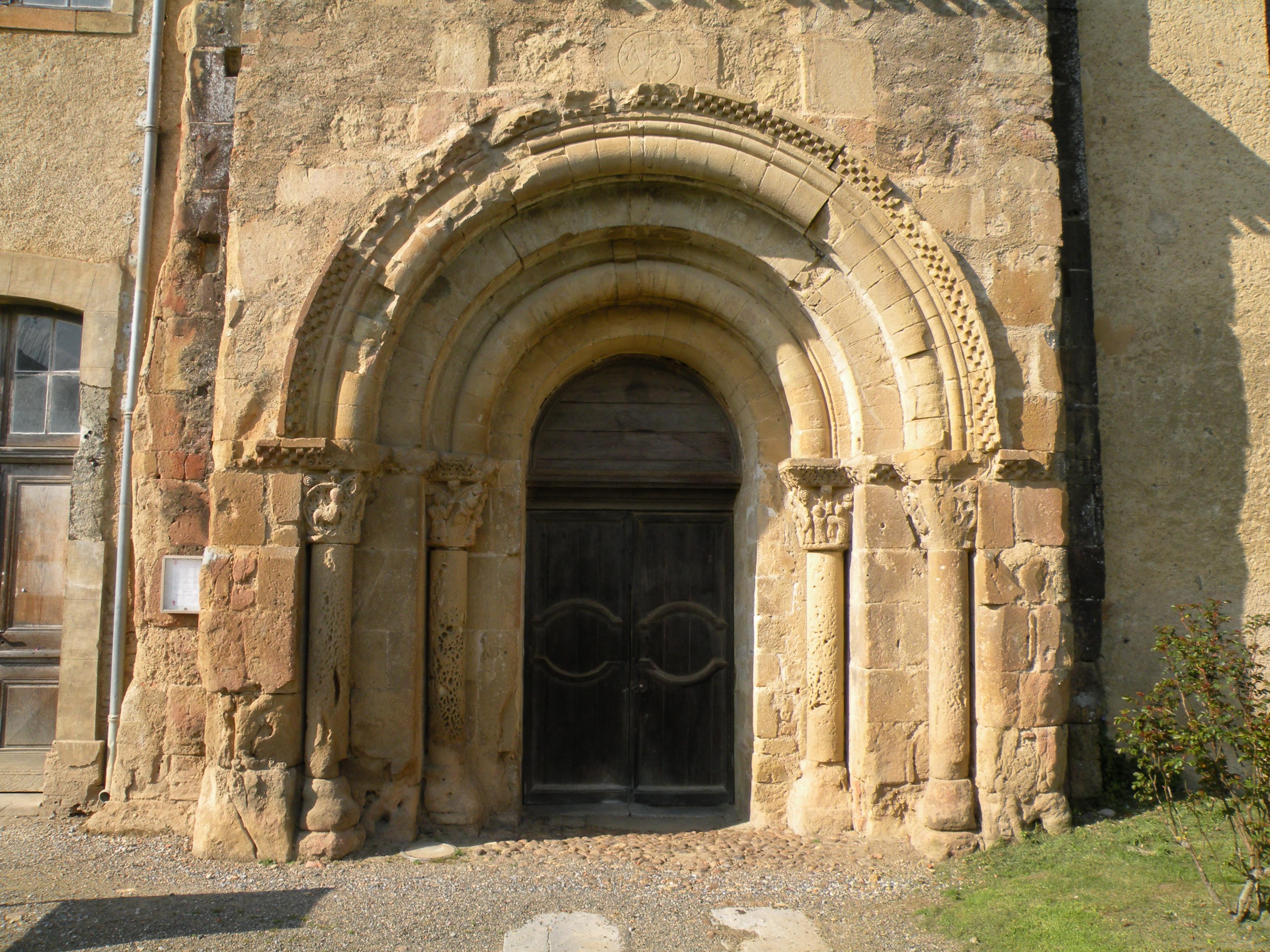 Portail Abbaye St Sever de Rustan