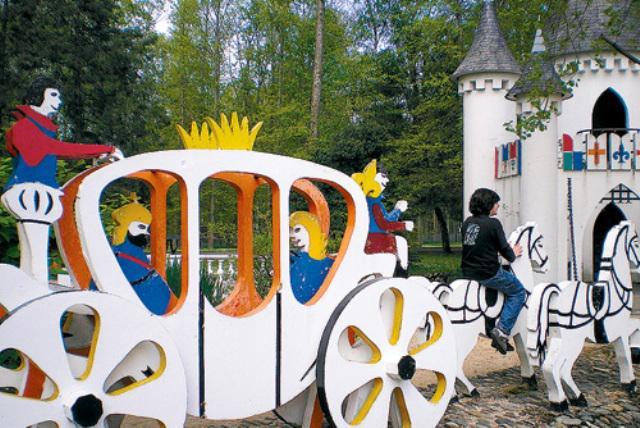Parc de loisirs La Demi Lune, le chateau