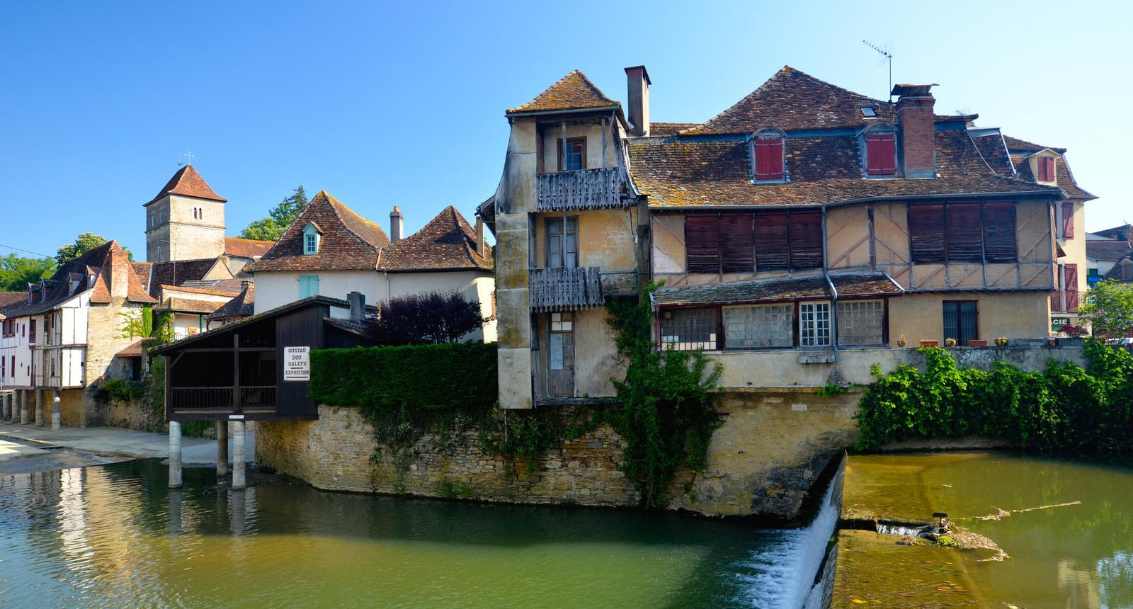 Village de Salies-de-Béarn