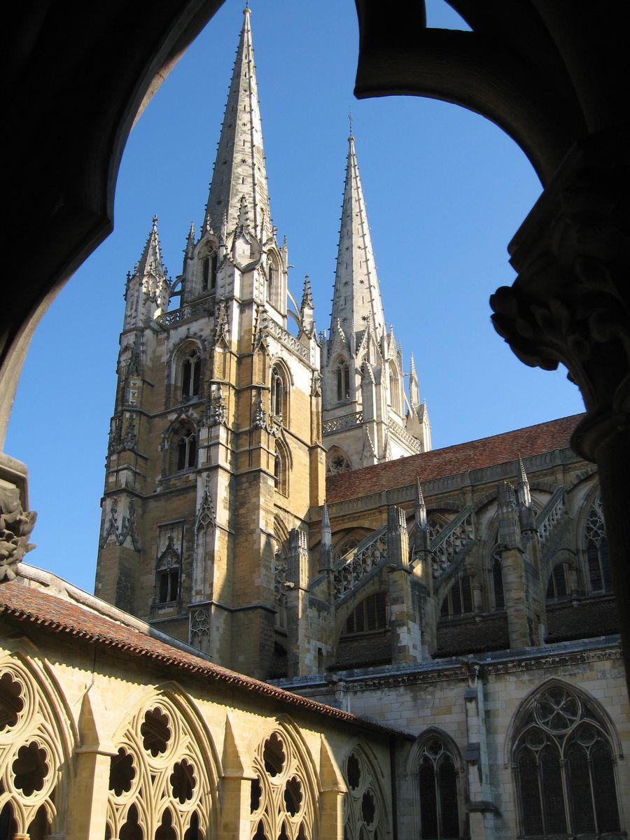 Cathédrale Ste-Marie et cloître_Bayonne