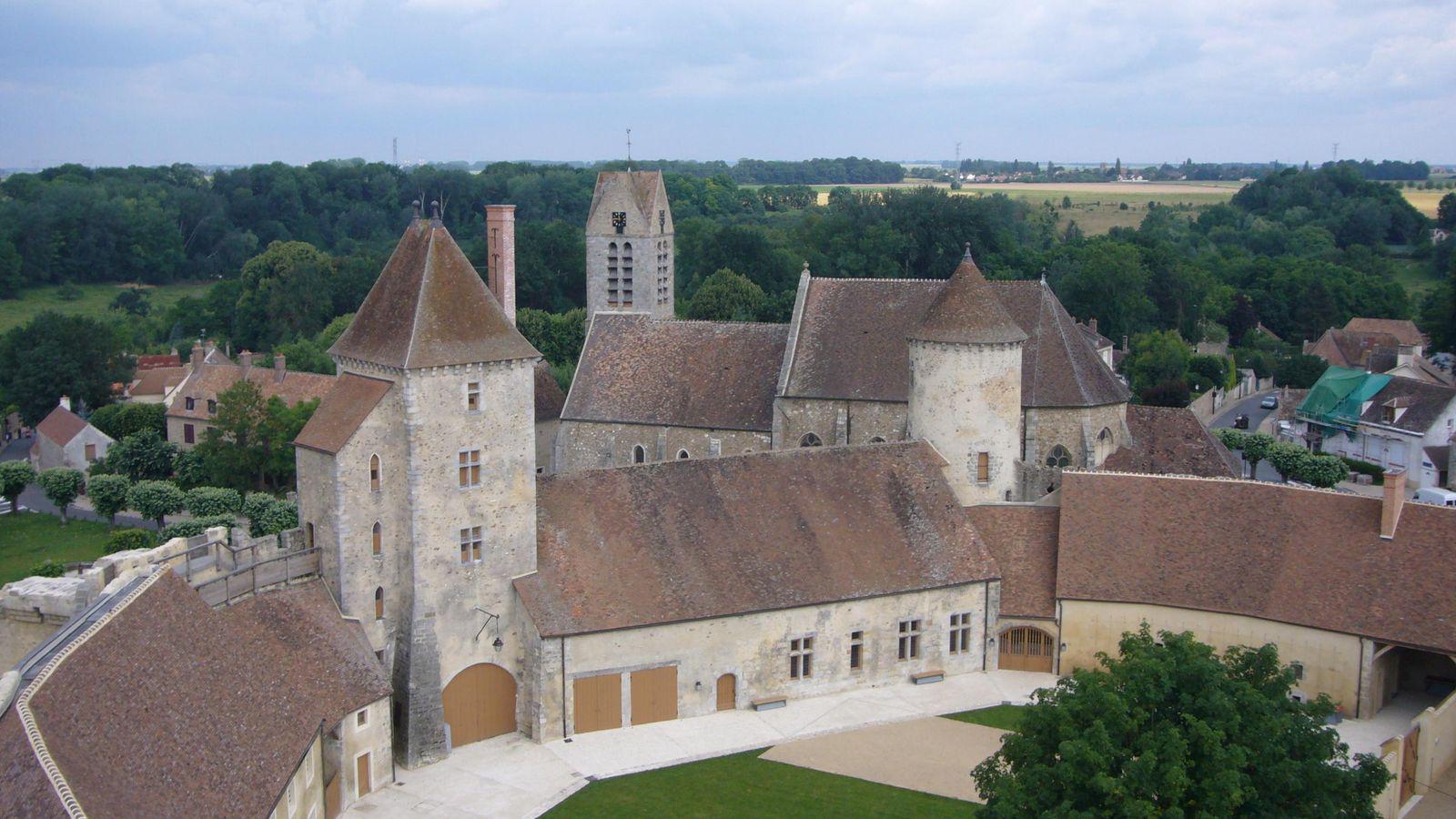 Château de Blandy-les-Tours_Blandy (1)