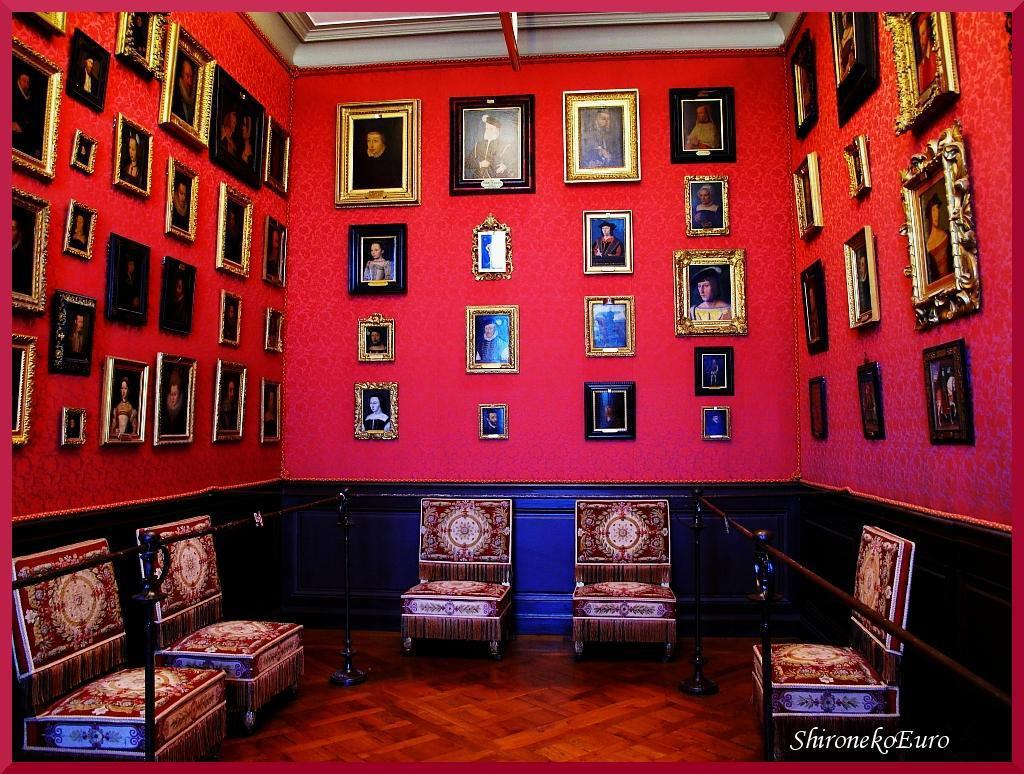 Collections-Chateau_Chantilly (1)