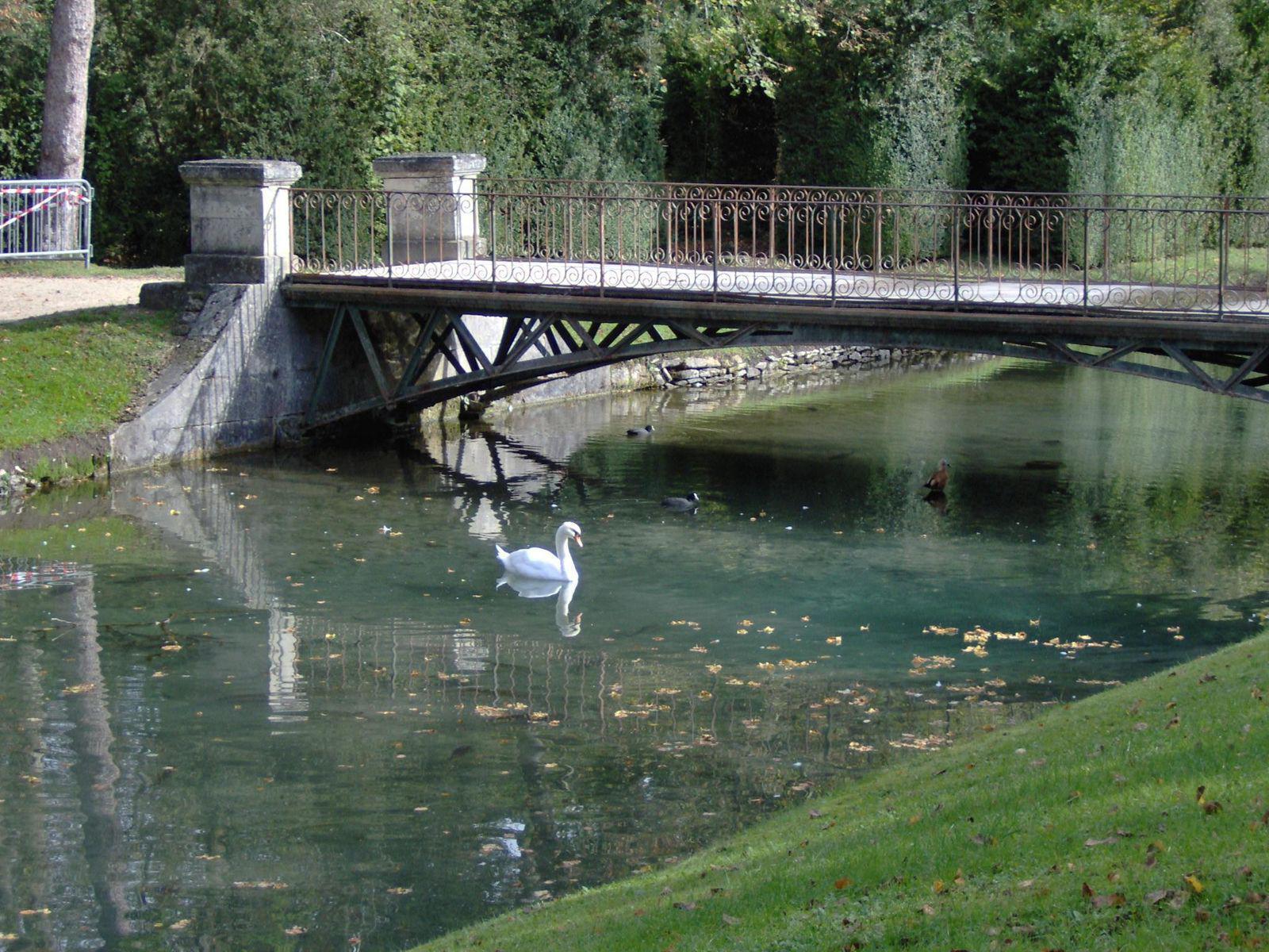 Villes remarquables et beaux villages de france oise 60 for Jardin anglais chantilly