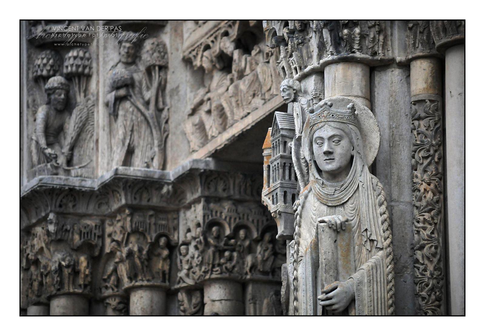 Portail royal-Cathédrale_Chartres