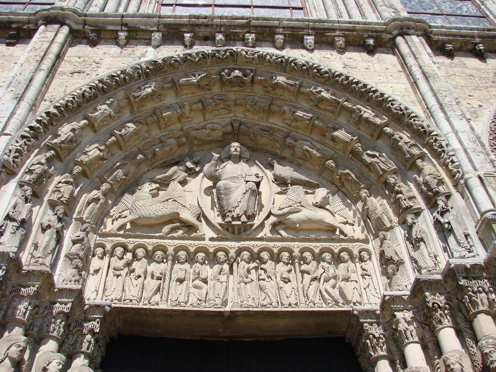 Portail royal-Cathédrale_Chartres (1)