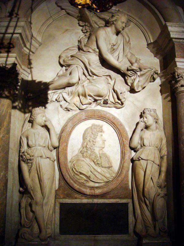 Gisants et tombeaux-Basilique de Saint-Denis (1)