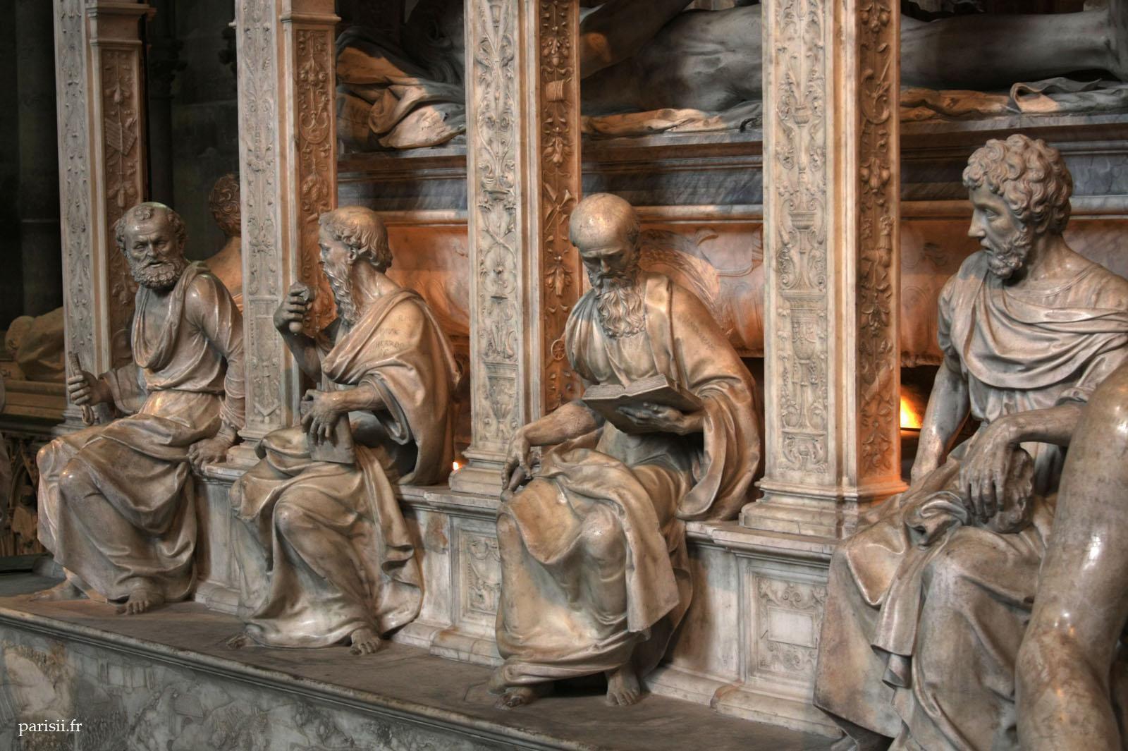 Gisants et tombeaux-Basilique Saint-Denis