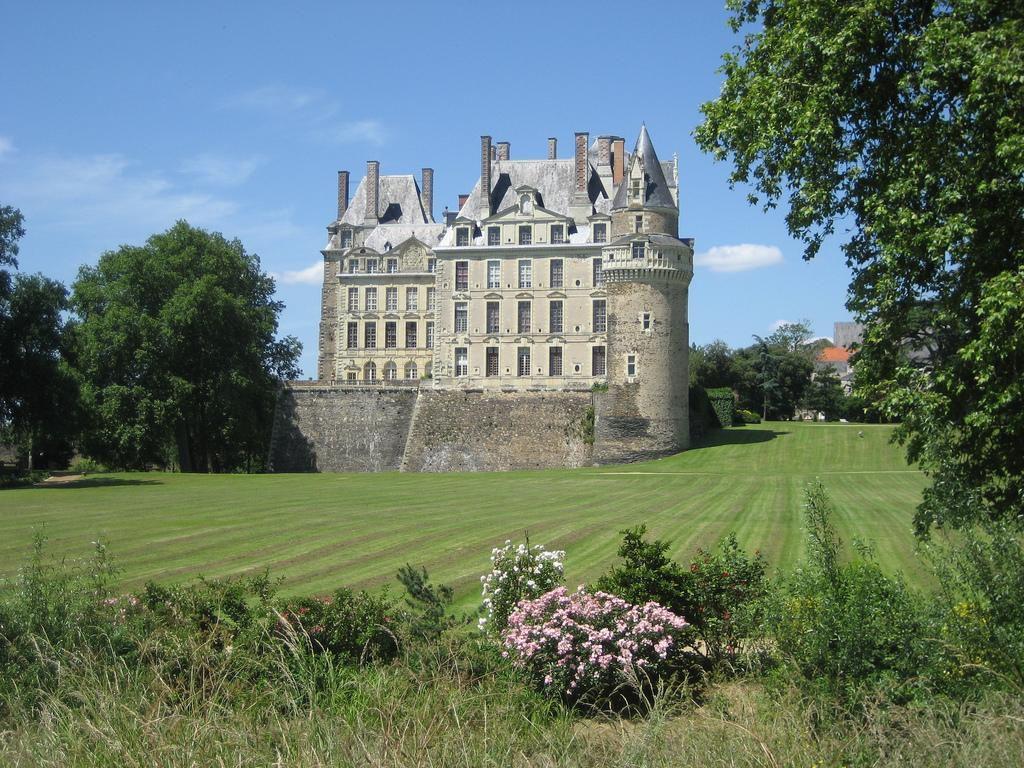 Château_Brissac-Quincé,