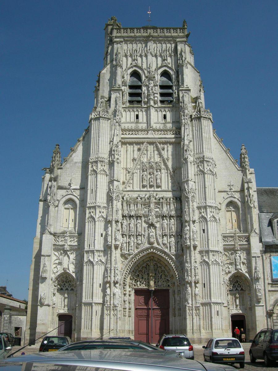 ABBATIALE DE SAINT-RIQUIER_Saint-Riquier (1)