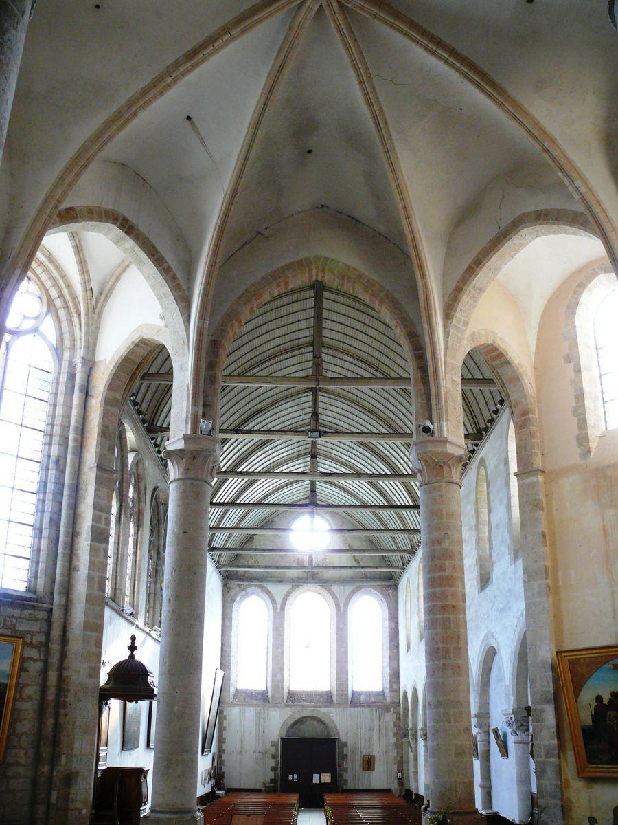 Abbatiale Saint-Pierre_Ferrières-en-Gâtinais