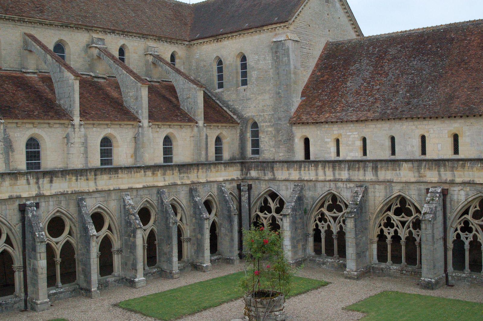 Abbaye de Noirlac_Bruère-Allichamps