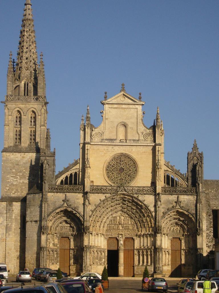 Cathédrale Saint Jean_Bazas (1)