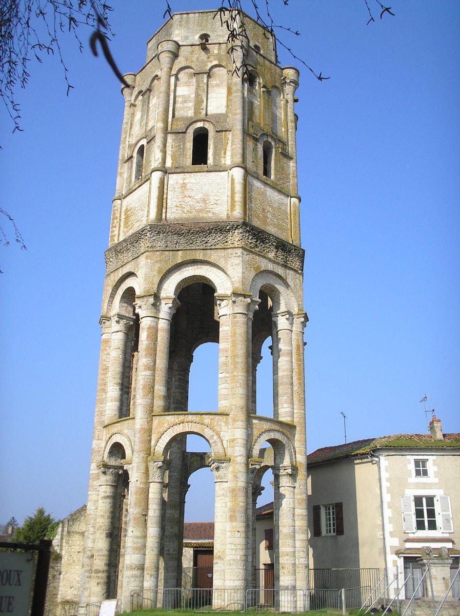 Abbaye St-Sauveur_Charroux
