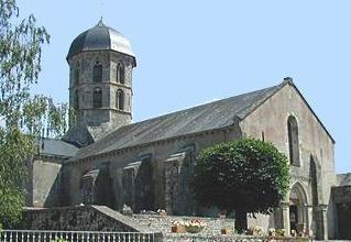 Ancienne Abbatiale Saint-Jean-l'Evangéliste_Bard-le-Régulier (1)