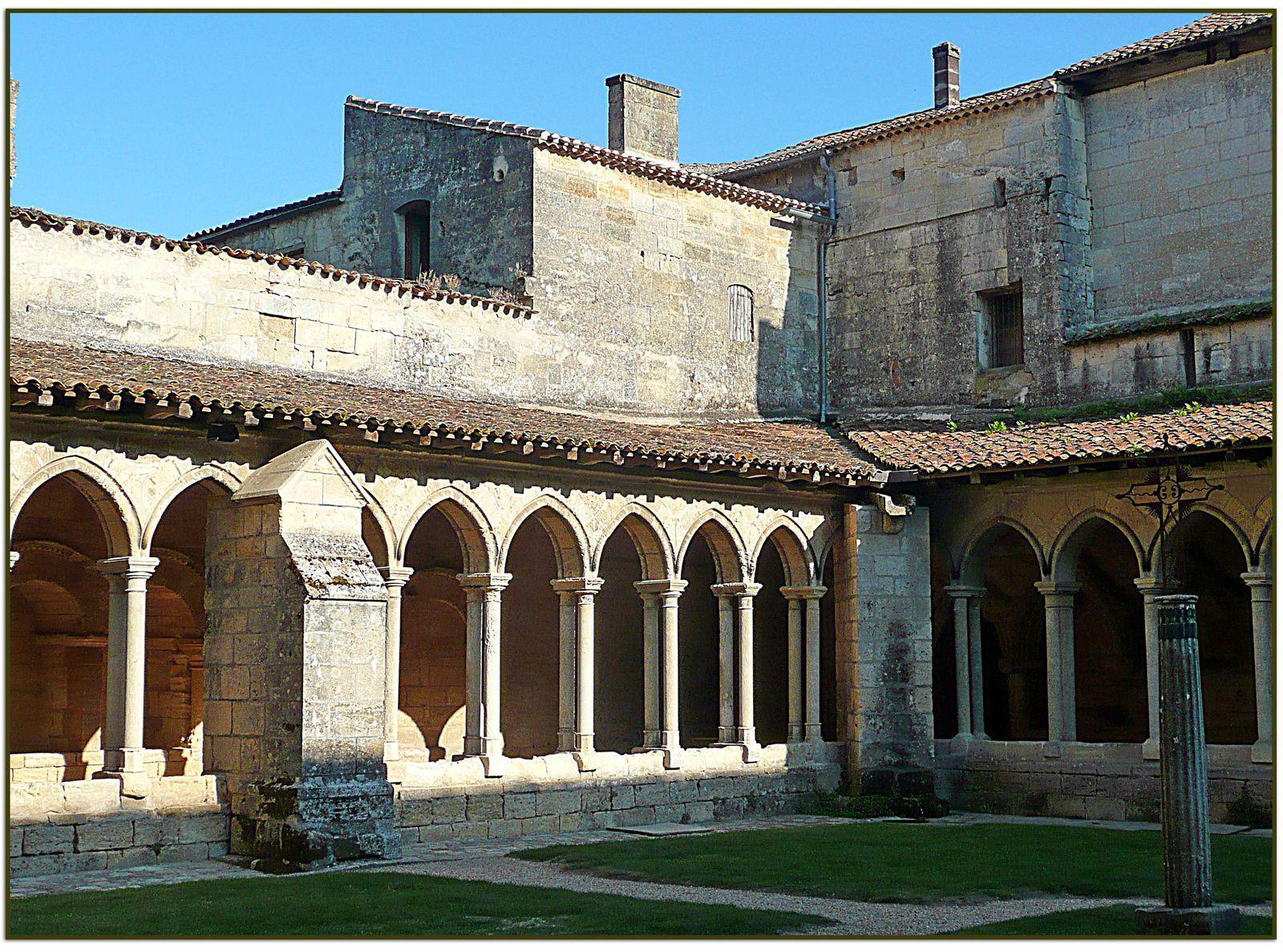 Cloître de Collégiale_Saint-Émilion