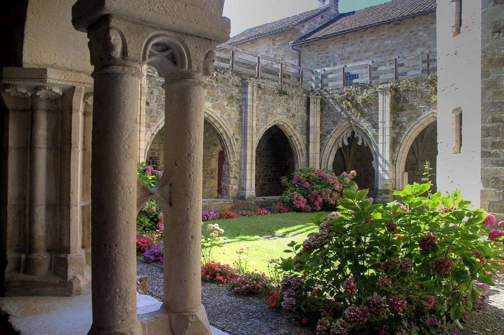 Клуатр собора Сен-Пьер, Carennac (Кареннак)