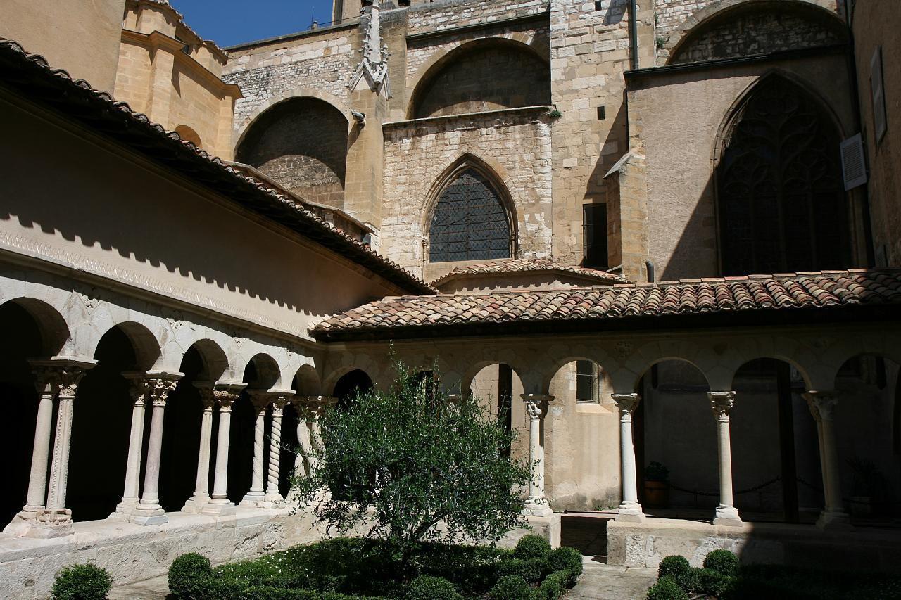 Cloître de St-Sauveur_Aix-en-Provence (1)