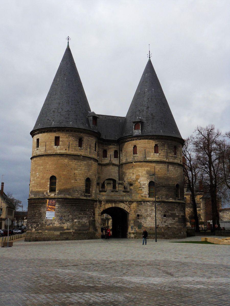 Ancien palais épiscopal_Beauvais