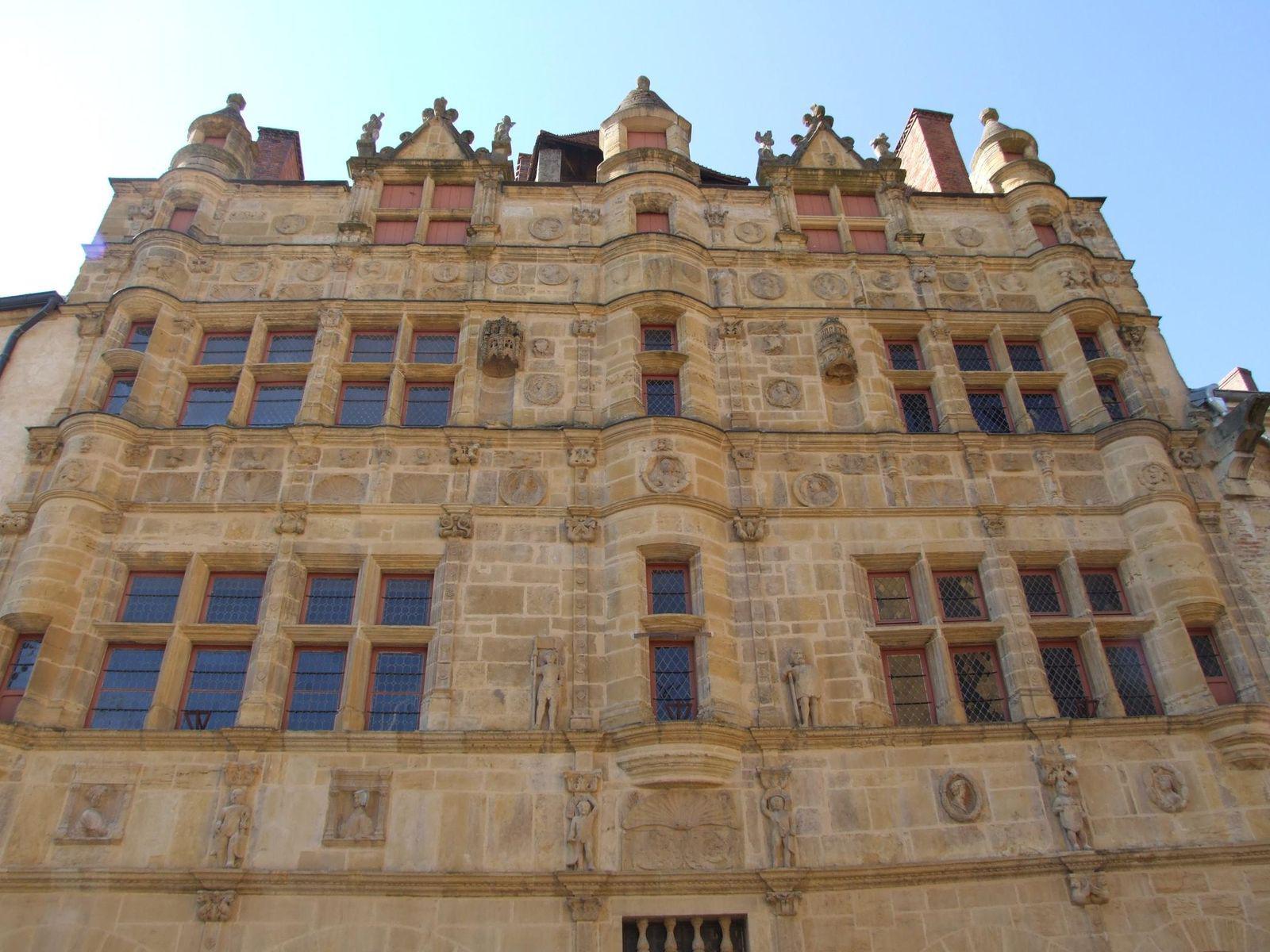 Hôtel de ville_Paray-le-Monial