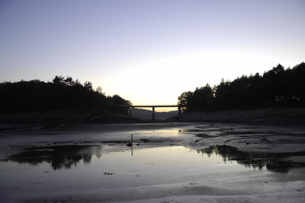 Lac de St-Pardoux_Saint-Pardoux-la-Rivière