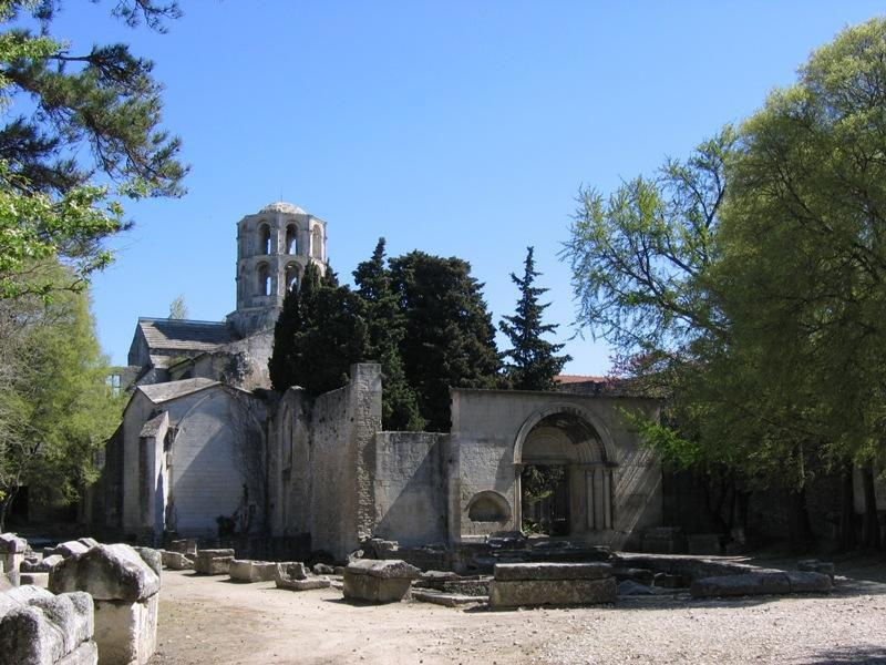Les Alyscamps_Arles