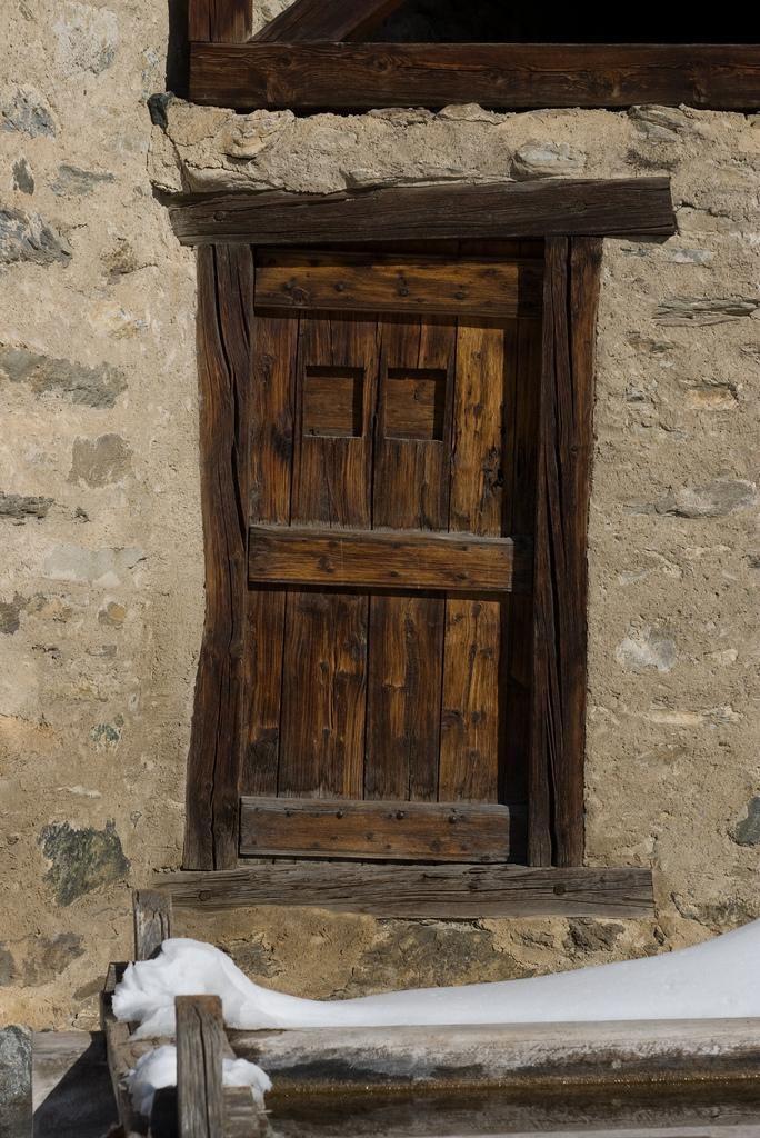 Porte en bois_Saint-Véran
