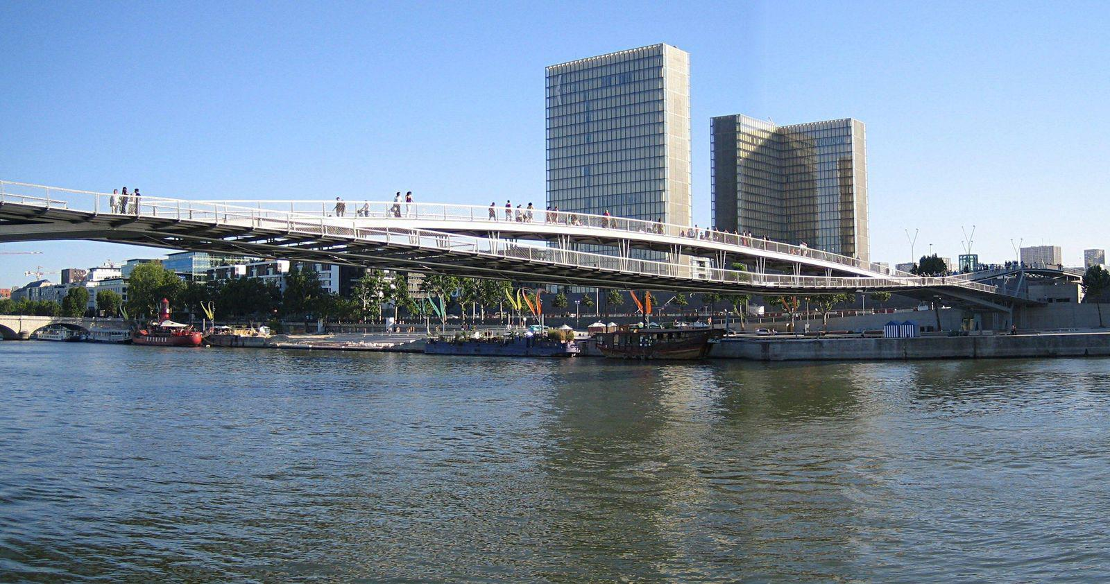 Passerelle Simone de Beauvoir_Paris