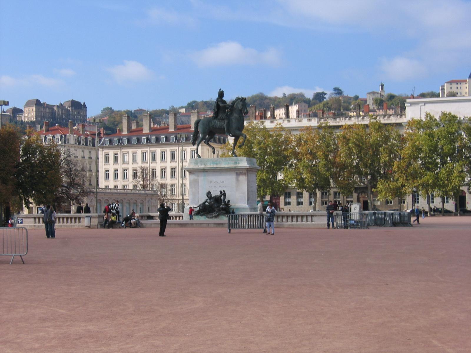 Place Bellecour_Lyon (1)