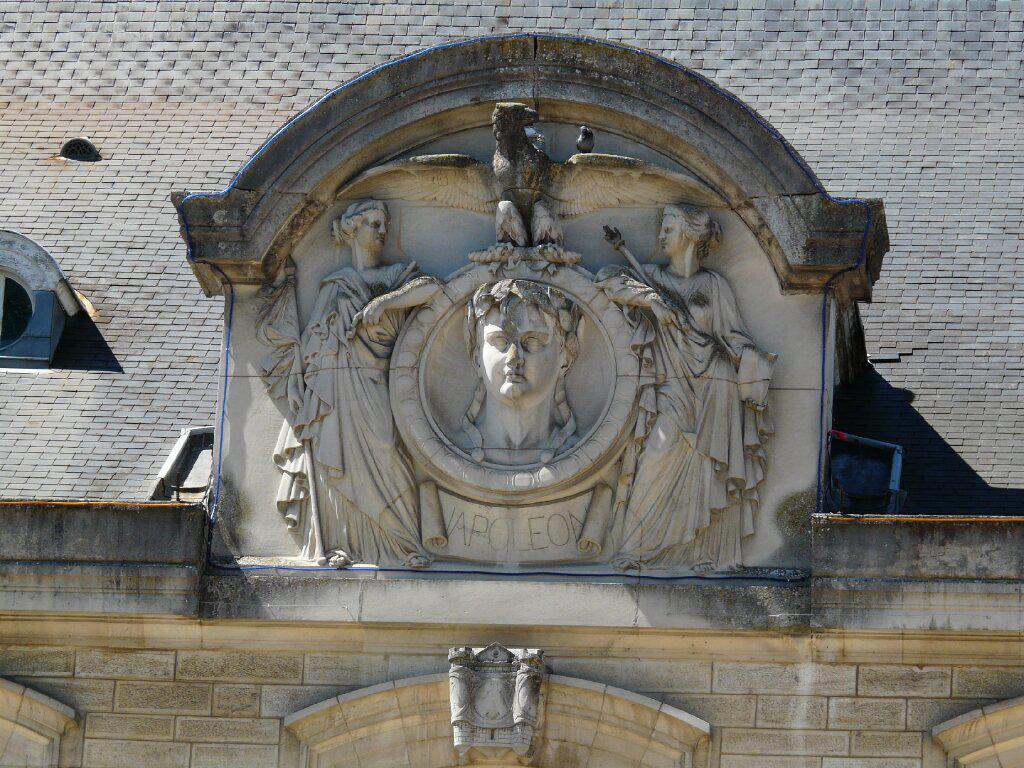 Le buste Bonvalot