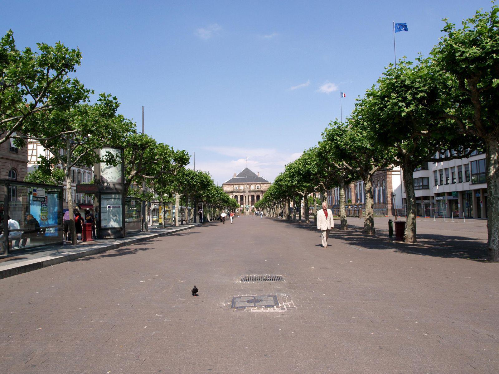 Place Broglie_Strasbourg (1)