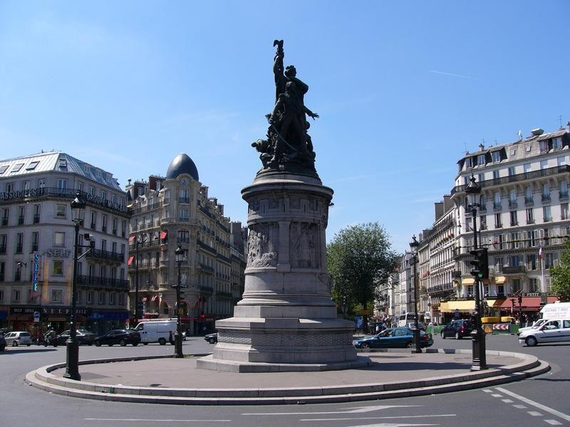 Place de Clichy_Paris