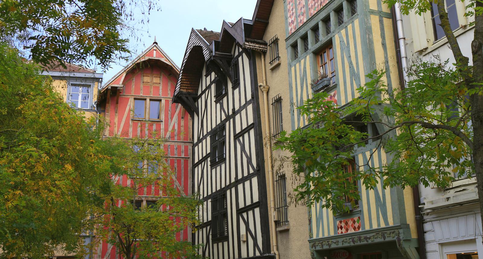 Troyes, Place Saint-Jean