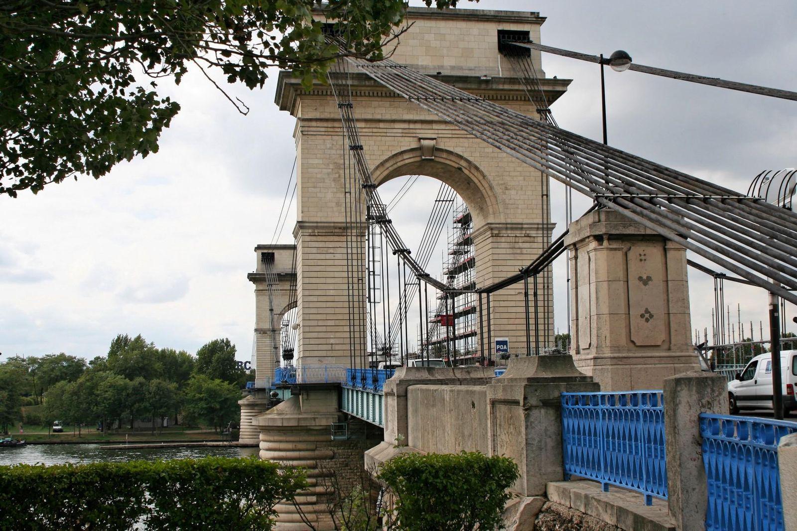 Pont du port l 39 anglais vitry sur seine 94400 val de for Porte vue en anglais