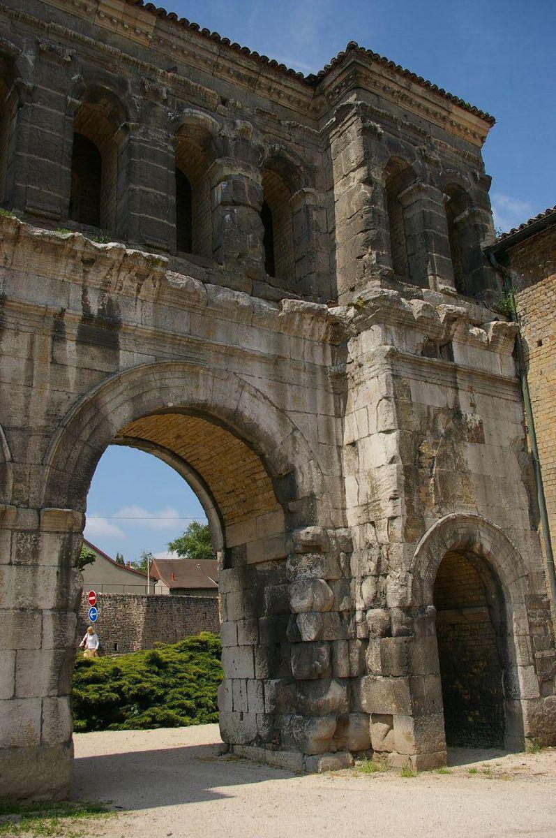 Porte St-André_Autun (1)
