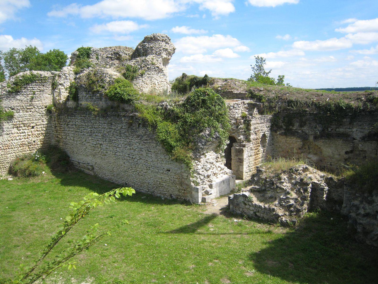Image : Vestiges du Château D'Ivry-la-bataille