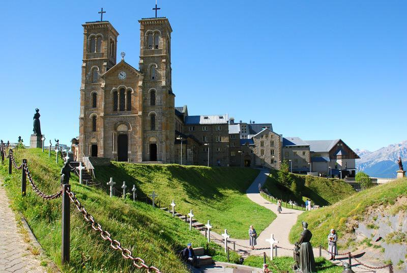 Sanctuaire De Notre Dame De La Salette_La Salette-Fallavaux