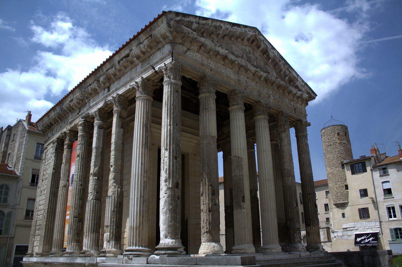 Temple d'Auguste et de Livie_Vienne