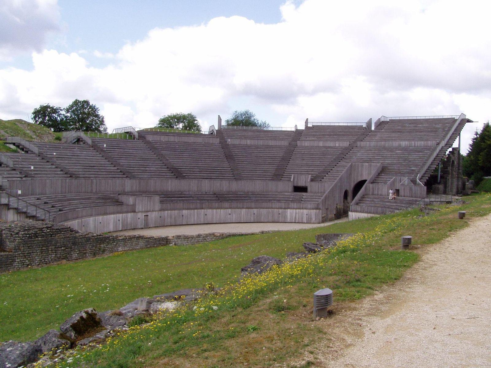 Amphithéâtre de Grand_Grand