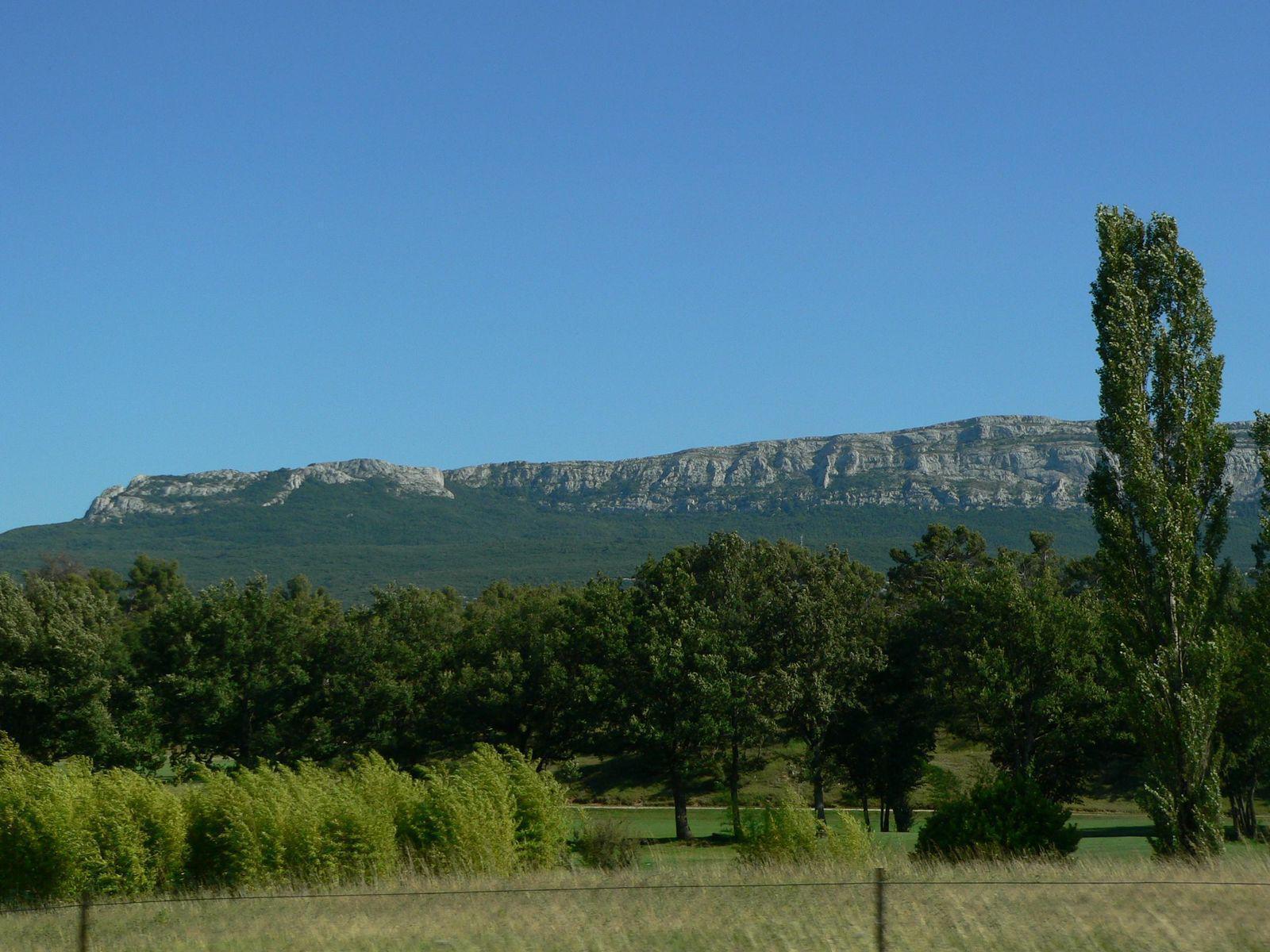 Massif DE LA SAINTE BAUME_Saint-Maximin-la-Sainte-Baume