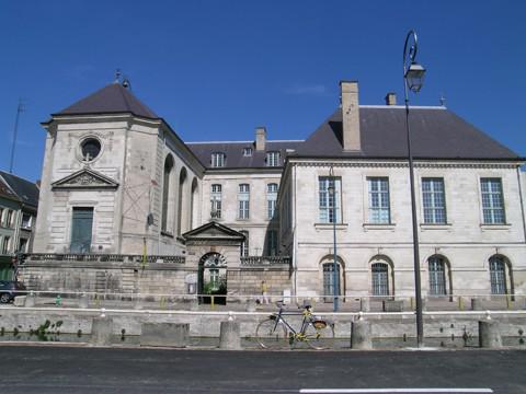 Fermeture de l'Apothicairerie de l'Hôtel-Dieu-le-Comte