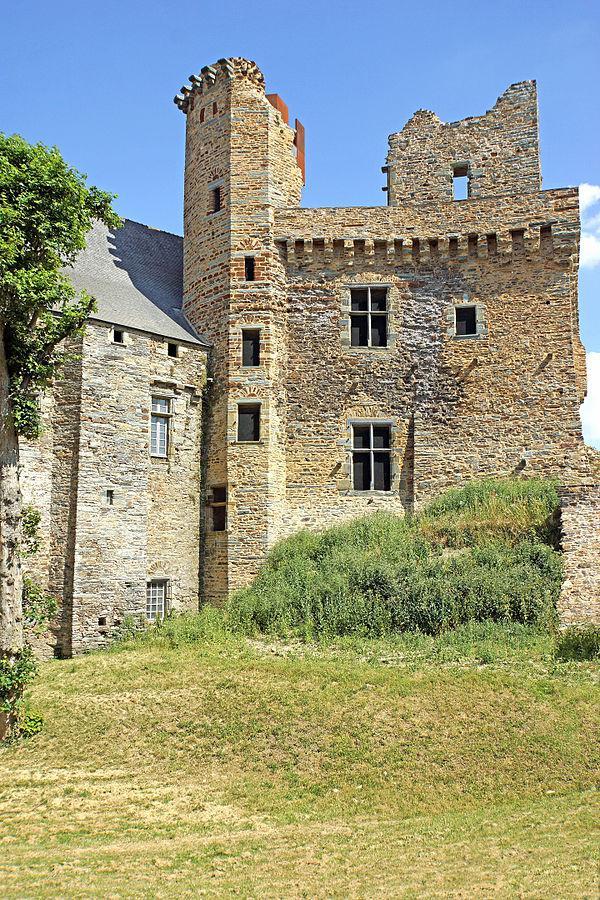 Donjon du Château de Châteaubriand