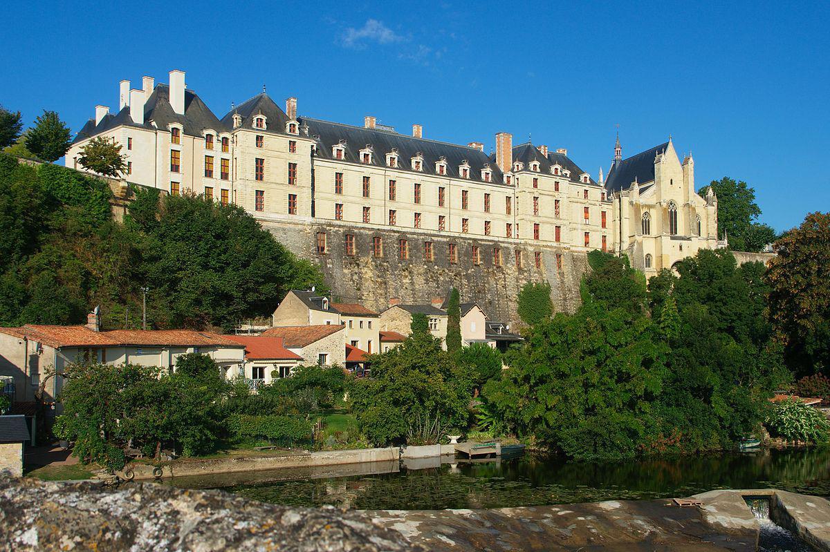 Chateau des ducs de La Tremoïlle