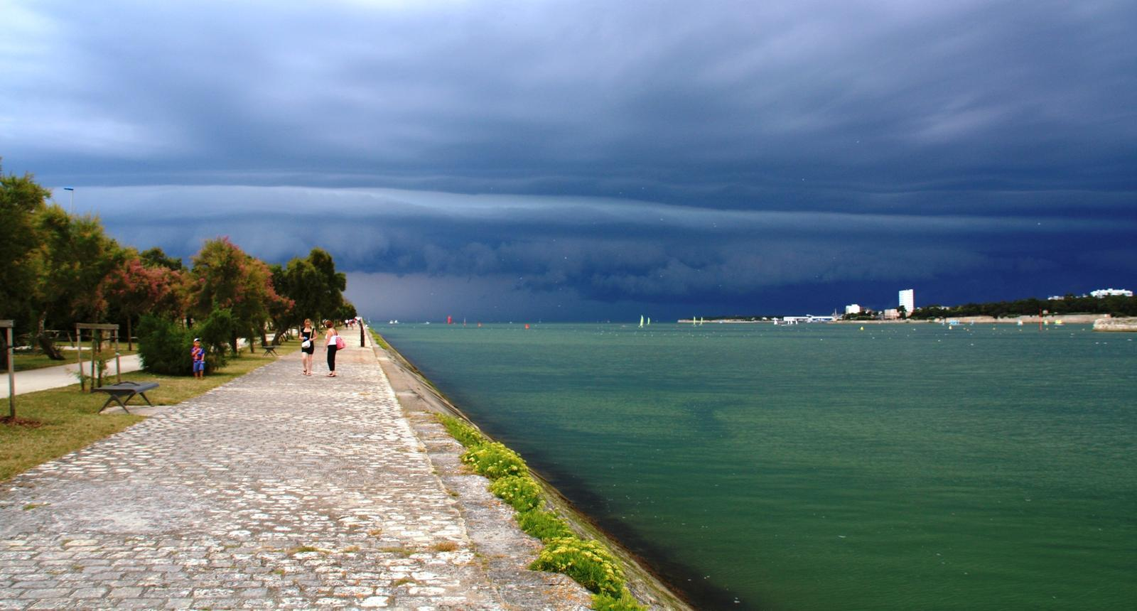 Photo orage sur la rochelle 54315 diaporamas images photos - La rochelle office du tourisme ...